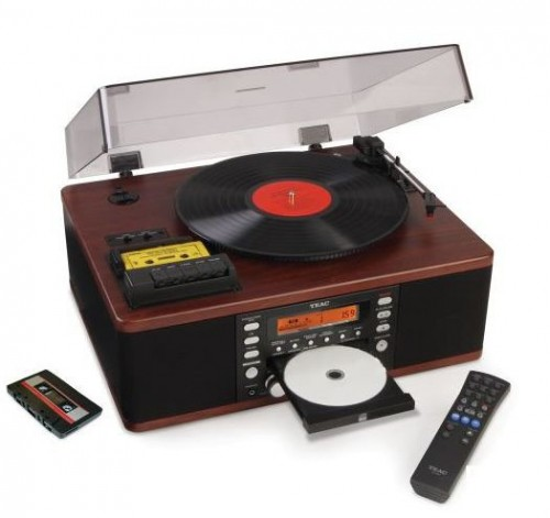 Modernize Your Music With the LP and Cassette to CD Recorder