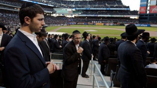 More than 40K Orthodox Jews Hold Rally Against the Danger of the Internet