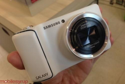 Samsung Galaxy Camera with Android 4.1 Ships at $600