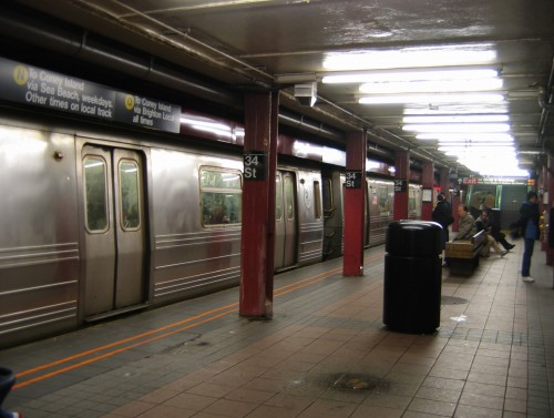 New iPhone App Tracks NYC Subways in Real Time