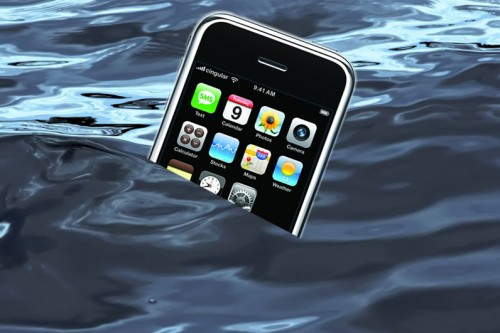 Apple Settles Class Action Suit for Waterlogged Phones