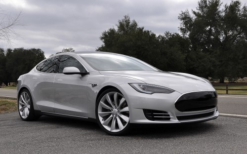 Google Glass App Adds Tesla Model S Functionality
