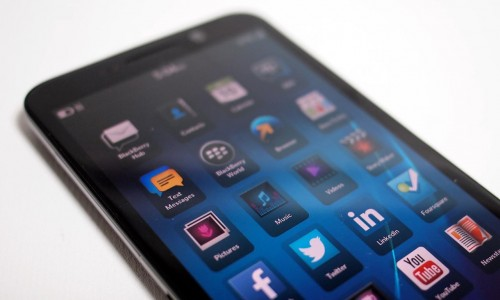 MEGATech Reviews - BlackBerry Z30 Smartphone