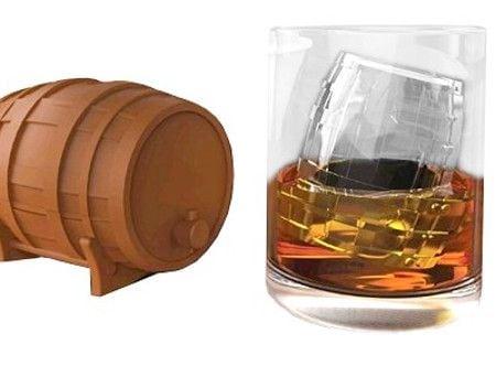 whiskey-barrel-ice-tray