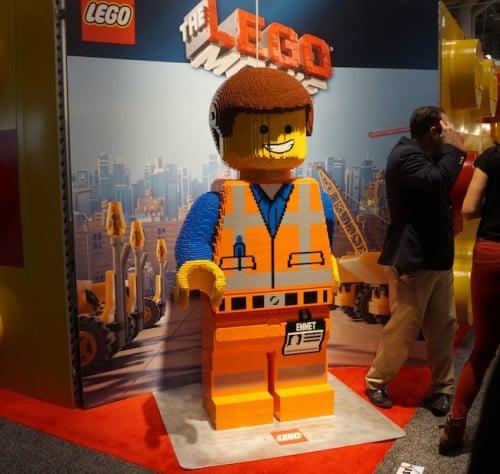 emmet-giant-lego