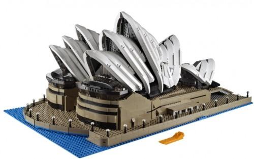 LEGO-Creator-Expert-10234-Sydney-Opera-House