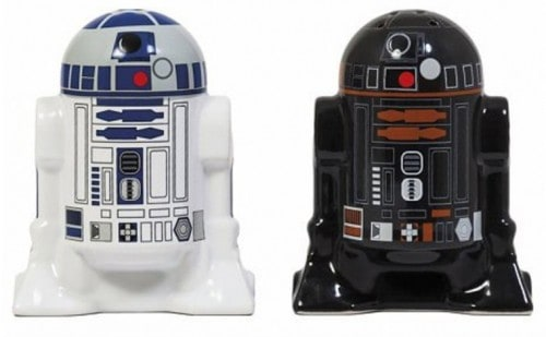 Star-Wars-R2D2-R2Q5-Salt-and-Pepper-Shakers