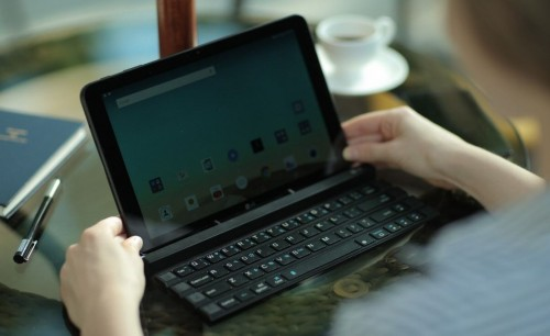 LG Rolly Keyboard Literally Rolls Up for Mobile Use