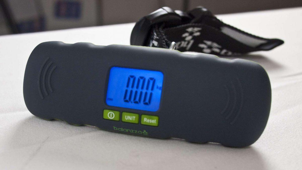 MEGATech Reviews - The Balanzza Mini Digital Luggage Scale (Video)