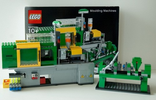 Who Wouldn't Want a LEGO-Making Machine Made of LEGOs?