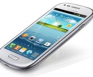 Samsung Galaxy S III Mini Features 4-Inch Screen