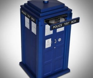 Tardis PC Case is Naturally Bigger Inside Than it Looks