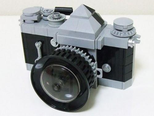 Life-size-replica-of-Nikon-F-SLR-in-Lego