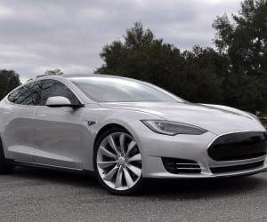 Tesla Rolling Out Supercharger Stations