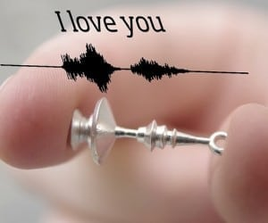 "Voice Print Jewelry: The Ultimate Customized ""I Love You"""