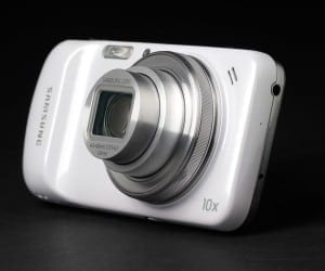 Samsung Galaxy K Zoom Looks to Replace Your Digital Camera