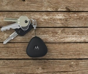 Motorola Keylink Finds Your Phone Between the Couch Cushions