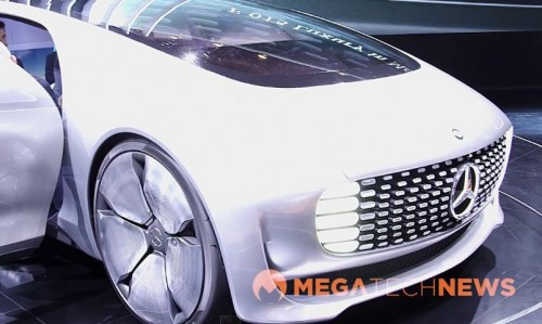 Megatech videos mercedes benz f 015 self driving car at for Mercedes benz f 015 price