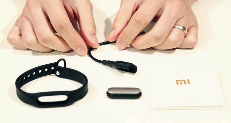 MEGATech Videos: Xiaomi Mi Band Unboxing and Overview