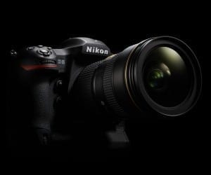Nikon D5 HD-SLR Excels in Low-Light Photography