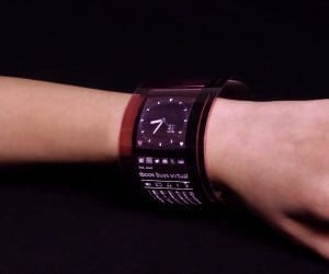 FlexEnable Flexible Screen Can Wrap Your Wrist