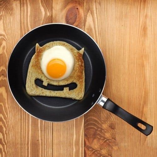 egg-monster-toast-cutter-1