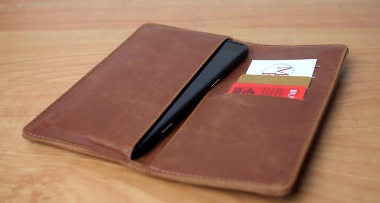 MEGATech Reviews: Caseco Fone Wallet Universal Smartphone Case