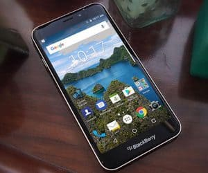 BlackBerry Aurora Goes Live in Indonesia Without a Keyboard