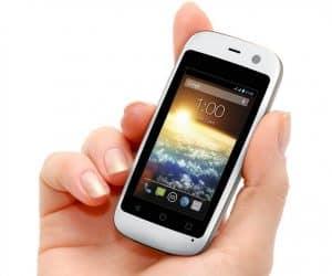 Posh Mobile Micro X S240: Tiny Smartphone, Tiny Price