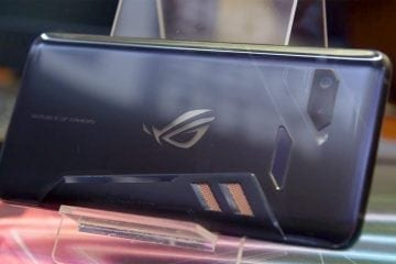 Asus ROG Phone With TwinView Dock (Computex 2018)